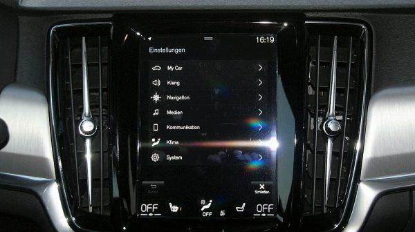 1406413009955_slide bei Donau Automobile in
