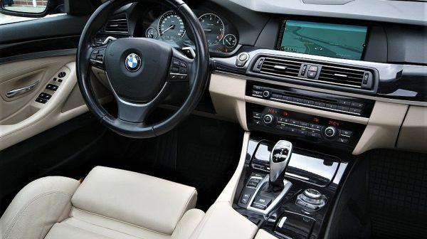 443575_1406430390323_slide bei Donau Automobile in