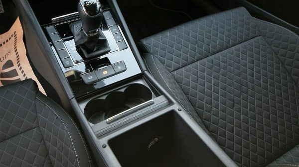 444730_1406415716993_slide bei Donau Automobile in