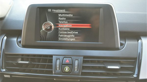 447346_1406431830011_slide bei Donau Automobile in