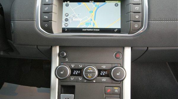 454657_1406439884007_slide bei Donau Automobile in