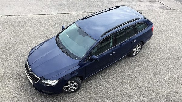 455282_1406440226837_slide bei Donau Automobile in