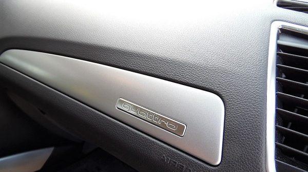 455368_1406431642681_slide bei Donau Automobile in