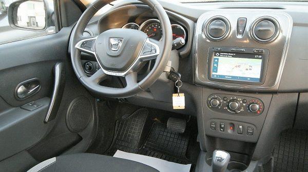 458831_1406446843103_slide bei Donau Automobile in