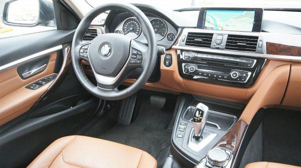 459557_1406444684805_slide bei Donau Automobile in