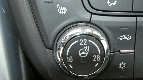 474681_1406459623445_slide bei Donau Automobile in