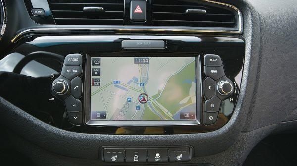 485337_1406474467761_slide bei Donau Automobile in