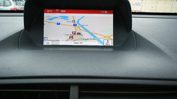 486098_1406473894335_slide bei Donau Automobile in