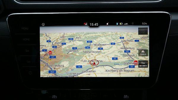 494714_1406476316401_slide bei Donau Automobile in