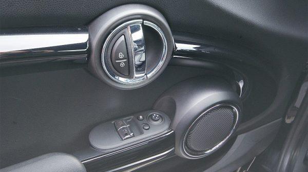 498495_1406492789356_slide bei Donau Automobile in