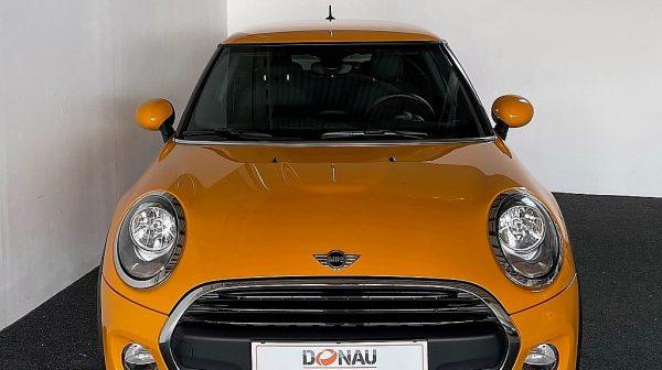 500361_1406495825771_slide bei Donau Automobile in
