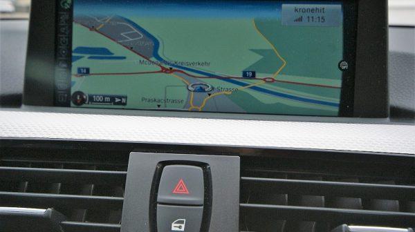 501117_1406492872366_slide bei Donau Automobile in