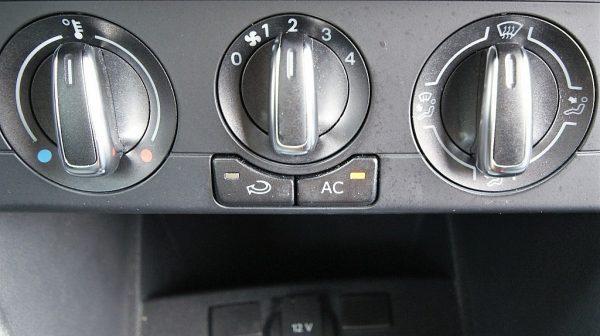 501161_1406494531979_slide bei Donau Automobile in