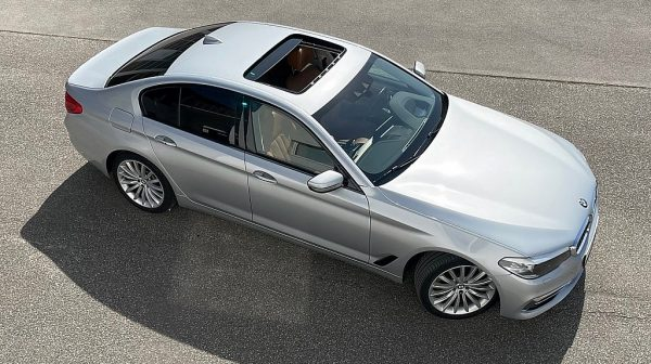 501239_1406494323693_slide bei Donau Automobile in