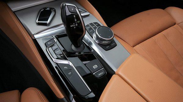 501239_1406494915375_slide bei Donau Automobile in