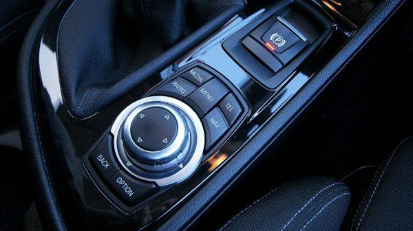 503236_1406498390455_slide bei Donau Automobile in