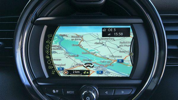 503666_1406495833794_slide bei Donau Automobile in
