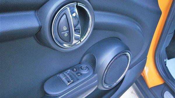 503666_1406495833812_slide bei Donau Automobile in