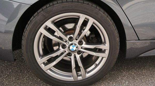 503949_1406498790965_slide bei Donau Automobile in