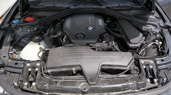 503949_1406498790990_slide bei Donau Automobile in