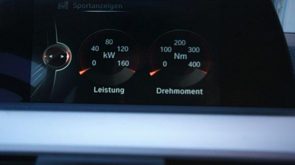 504191_1406498874472_slide bei Donau Automobile in