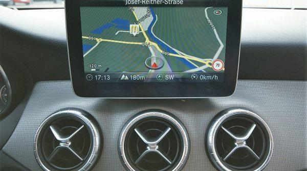 515690_1406507743471_slide bei Donau Automobile in