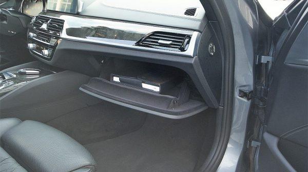 516379_1406503353655_slide bei Donau Automobile in