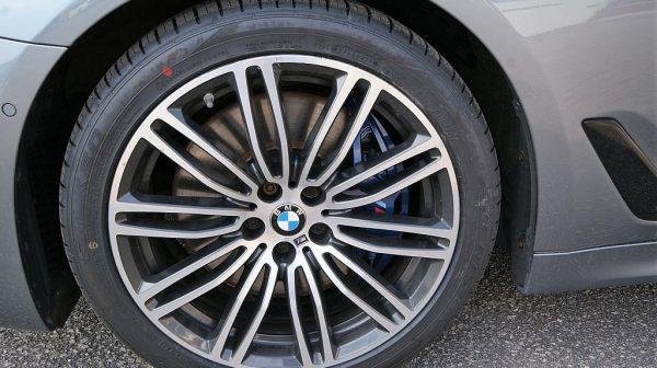 516379_1406503353681_slide bei Donau Automobile in
