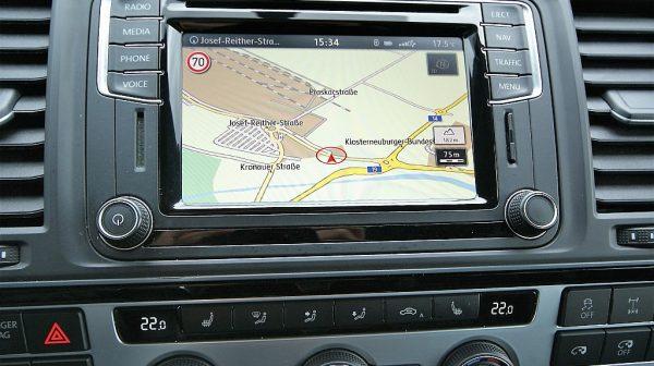 516771_1406506100282_slide bei Donau Automobile in