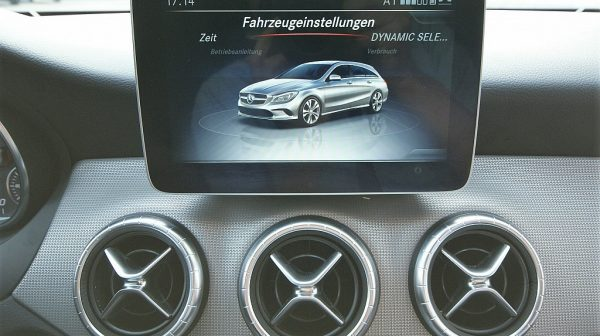 519894_1406507743476_slide bei Donau Automobile in