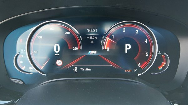 520307_1406503353660_slide bei Donau Automobile in